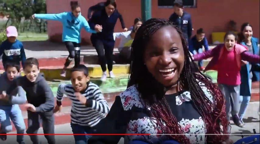A Darna Tanger, les enfants isolés chantent la paix et l'espoir